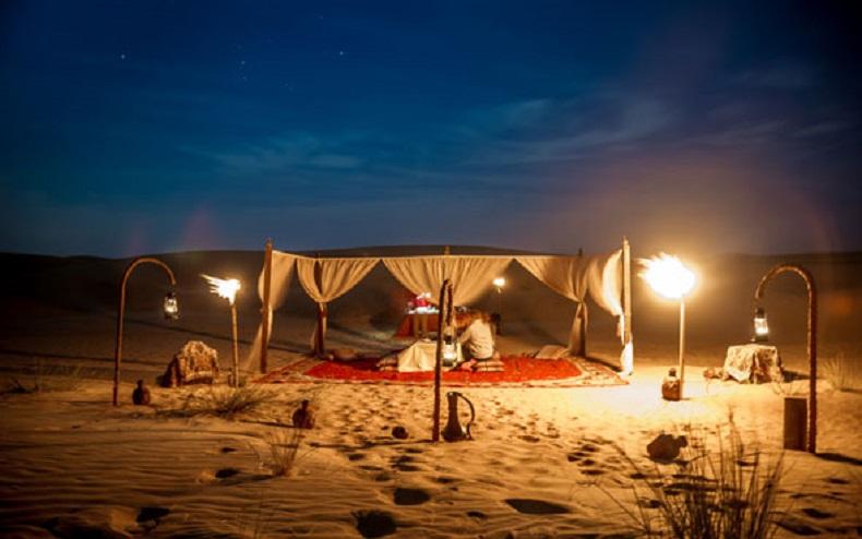 کمپ صحرایی
