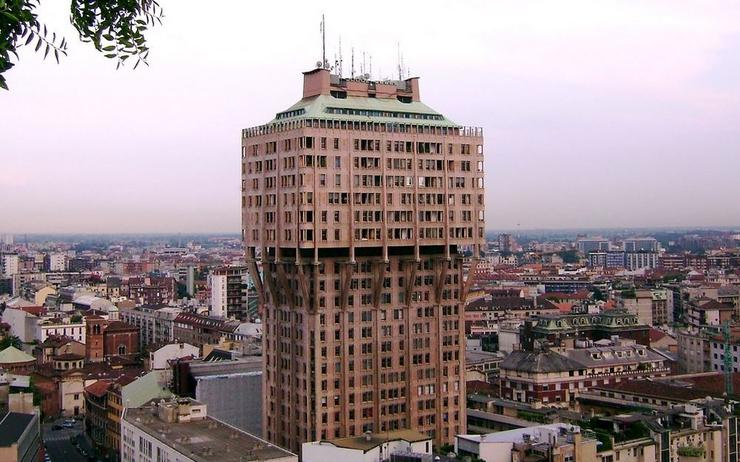 برج ولاسکا میلان